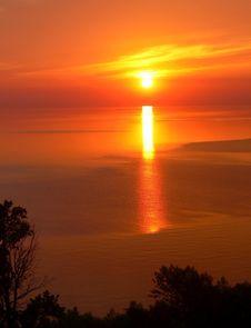 Free Sunrise Over The Lake Stock Image - 2812981