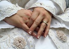 Free Bride S Hands Stock Images - 2813634