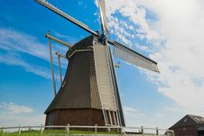 Free Sideview Of A Windmill (mill) Stock Photography - 2816062