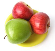 Free Apples On A Plate Royalty Free Stock Photography - 2818037