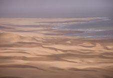 Free Sand Dunes Royalty Free Stock Image - 2819486