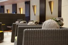 Free Hotel Lobby And Lounge Royalty Free Stock Photo - 28100855