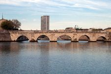 Free Historical Roman Tiberius  Bridge Royalty Free Stock Photos - 28113468
