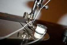 Free The Antiquarian Sewing-machine Royalty Free Stock Photography - 28119377