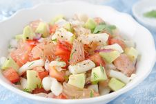 Free A Bowl Of Salad With Squid, Avocado And Grapefruit Stock Photography - 28134222