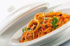 Free Seafood Spaghetti Royalty Free Stock Image - 28149236