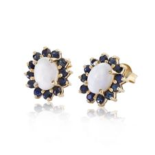 Free Diamonds And Sapphire Earrings Stock Photos - 28150173