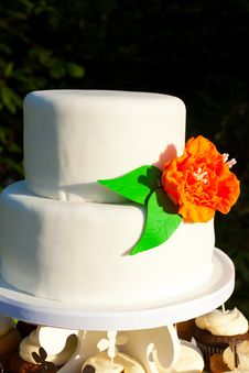 Simple White Wedding Cake Royalty Free Stock Images