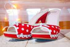 Free Red And White Wedding Shoes Stock Photo - 28152810