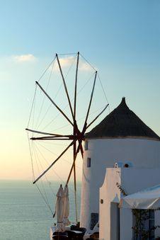 Free Greek Windmill Royalty Free Stock Photography - 28154737