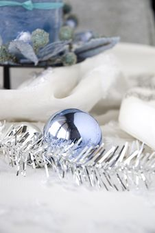 Free Blue Ball Ornament Stock Photo - 28167540