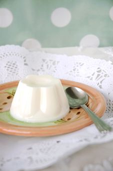 Free Sweet Milk Pudding Stock Images - 28167624
