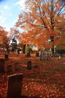 Free New England Autumn Graveyard 02 Royalty Free Stock Photo - 28181725