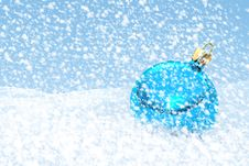 Free Blue Christmas Ball Royalty Free Stock Images - 28184769