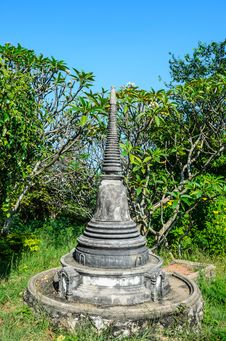Free Ancient Chedi Stock Photography - 28187582