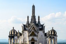Free White Pagoda In Phra Nakhon Khiri Royalty Free Stock Photography - 28188117