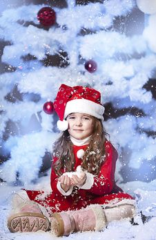 Free Little Girl Dressed As Santa Claus Royalty Free Stock Image - 28194586