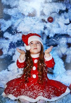 Free Little Girl Dressed As Santa Claus Stock Photos - 28194823