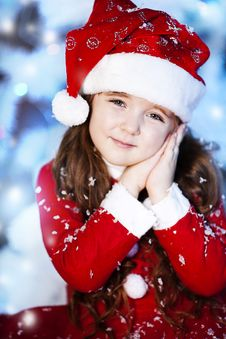 Free Cute Girl And Christmas Tree Royalty Free Stock Photo - 28194925