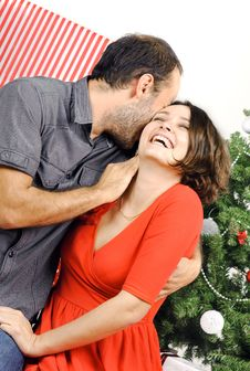 Free Happy Christmas Couple Royalty Free Stock Photography - 28195447