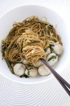 Free Asian Noodle On Chopsticks Stock Photos - 28196513