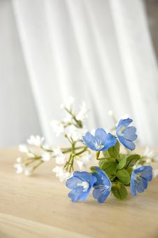 Free Blue And White Artificial Flowers Royalty Free Stock Photo - 28196535
