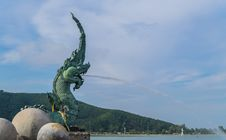 Free Naka Sculpture, Songkhla Royalty Free Stock Images - 28198419