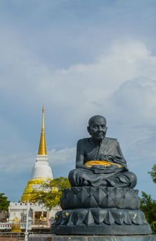 Free Statue Of A Famous Monk Royalty Free Stock Images - 28198729