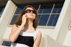 Free Businees Woman Speak Cellphone Royalty Free Stock Image - 2825156