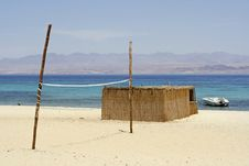 Free Reed Hut On Beach, Red Sea Stock Images - 2825874