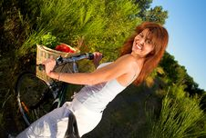 Free Woman On Bicycle Royalty Free Stock Photography - 2829757