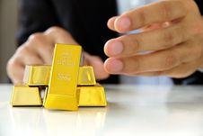 Free Gold Bars Royalty Free Stock Photos - 28201498