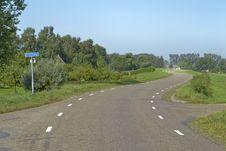 Free Road On A Dike Near Terwolde Stock Photo - 28207980