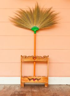 Free Broom Stock Photography - 28209602