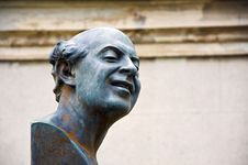Free Statue Of A Man Laughing Stock Photography - 28218632