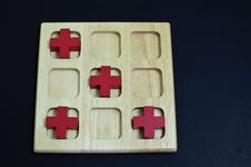 Free Red Cross On Wood Board Stock Images - 28220974