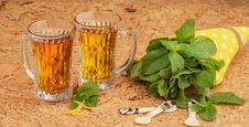 Free Mint Tea Royalty Free Stock Photography - 28221207