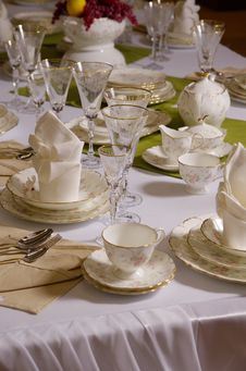 Free Table Layout Royalty Free Stock Image - 28221406