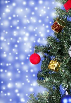 Free Christmas Toys On A Tree Stock Image - 28229851