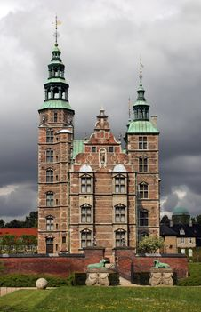 Free Rosenborg Castle Royalty Free Stock Photos - 28236658