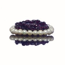Free Bracelet Of Pearls And Garnet Necklace Stock Photography - 28245872