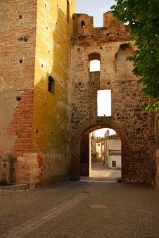 Free Castellaro Lagusello, Mantua, Italy Royalty Free Stock Photos - 28249198