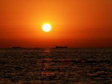 Free Fishing Boats On The Horizon Royalty Free Stock Photo - 28252555