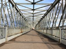 Free Pedestrian Bridge In Yelets. Royalty Free Stock Photo - 28264545