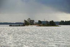 Free Helsinki Harbor Island, Finland Stock Image - 28267211