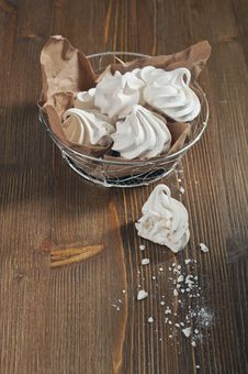 Free Meringues On Wooden Background Royalty Free Stock Photo - 28269935