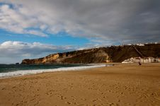 Free Beautiful Beach In Portugal Royalty Free Stock Photo - 28273375