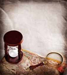 Free Hourglass With A Magnifying Glass. Royalty Free Stock Photos - 28293308