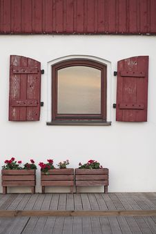 Free Old House Window With Shutters Stock Images - 28295114