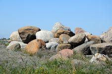 Free Stones Royalty Free Stock Image - 28299406
